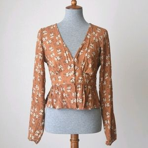 Sky And Sparrow Button Front Floral Peplum Blouse